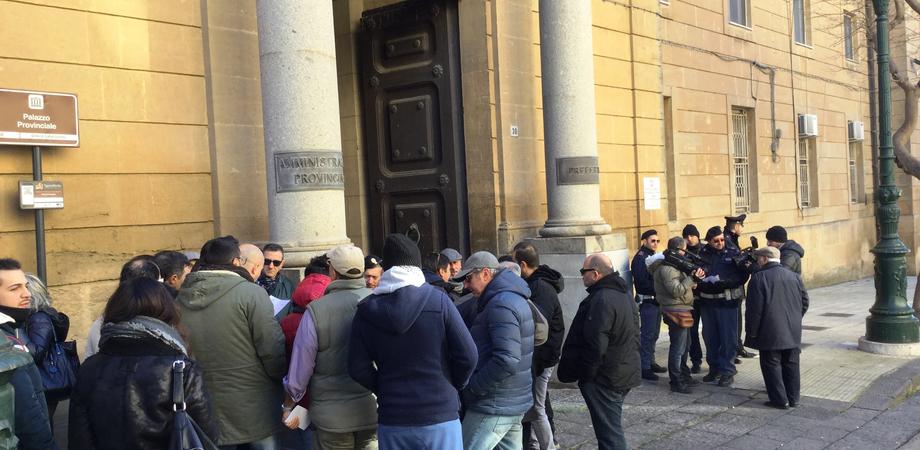 """Viabilità in centro storico, le 7 richieste dei commercianti esposte al prefetto. """"Via l'isola pedonale in corso Umberto"""""""