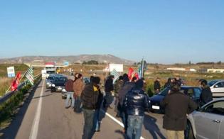 https://www.seguonews.it/vertenza-eni-a-gela-gli-operai-bloccano-la-statale-presidi-davanti-la-626-e-al-municipio