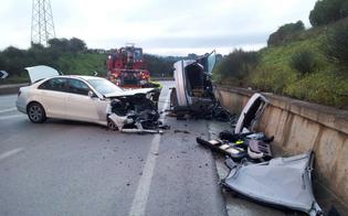 http://www.seguonews.it/caltanissetta-schianto-sul-viadotto-pantano-tre-auto-coinvolte-una-si-ribalta-ci-sono-feriti