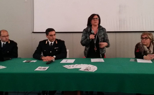 http://www.seguonews.it/cyberbullismo-la-polizia-mette-in-allerta-gli-studenti-dellipsia-galilei-cosi-vi-difendete-dal-mondo-virtuale