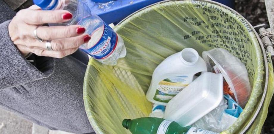 Gela, raccolta dei rifiuti per chi è in quarantena: disposto un servizio a domicilio per evitare il contagio