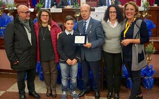 http://www.seguonews.it/concorso-poster-per-la-pace-pier-paolo-annaloro-premiato-dal-lions-caltanissetta-dei-castelli