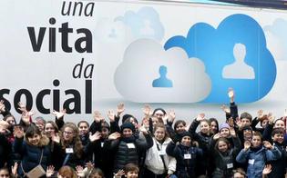 http://www.seguonews.it/internet-day-e-web-sicuro-tappa-della-polizia-postale-alla-scuola-carducci-di-san-cataldo