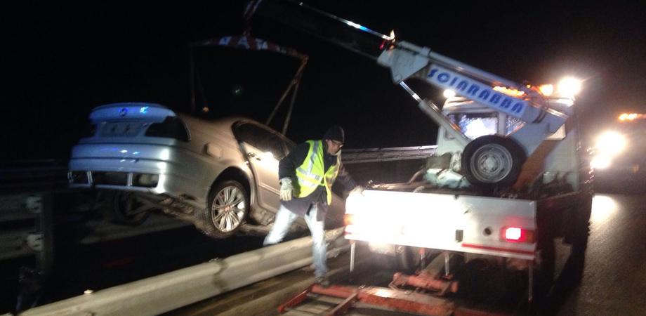 Tragedia a Tremonzelli. Giovane illeso dopo incidente, scavalca il viadotto e muore