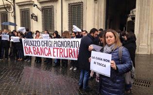 http://www.seguonews.it/la-prima-casa-non-si-tocca-azzurra-cancelleri-e-altri-parlamentari-m5s-protestano-davanti-palazzo-chigi