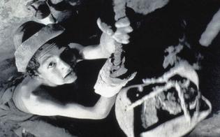 http://www.seguonews.it/via-crucis-alunni-della-scuola-sciascia-interpretano-i-carusi-di-miniera