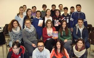 http://www.seguonews.it/8-marzo-il-liceo-mignosi-festeggia-la-donna-con-le-pagine-di-scrittori-nisseni