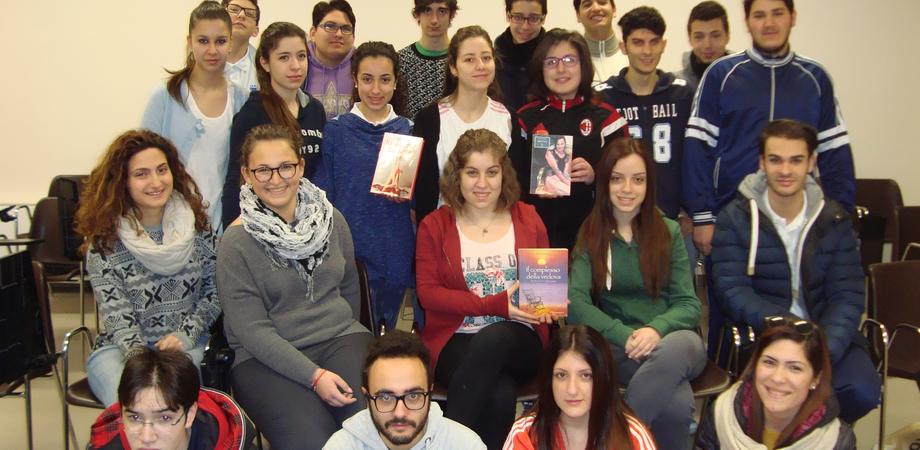 """8 marzo. Il liceo """"Mignosi"""" festeggia la donna con le pagine di scrittori nisseni"""