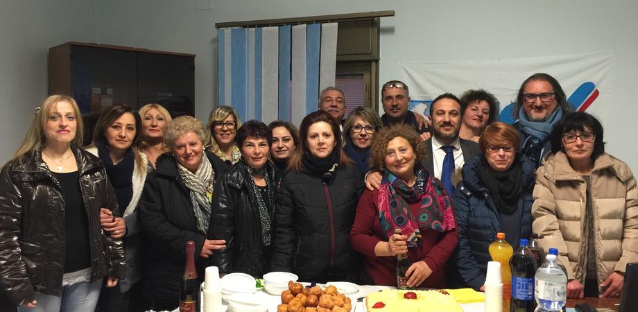 "Refezione scolastica a Caltanissetta, lavoratrici Bluecoop reintegrate dopo 6 mesi. ""Battaglia vinta grazie all'Ugl"""