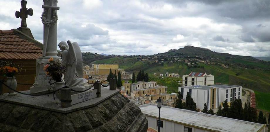 Cral Giustizia. Scoprire Caltanissetta: domenica visita guidata al cimitero Angeli