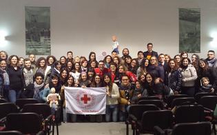 http://www.seguonews.it/in-prima-linea-per-aiutare-chi-ha-bisogno-la-cri-di-serradifalco-arruola-47-neo-volontari