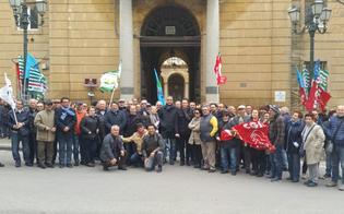 http://www.seguonews.it/legge-fornero-protesta-dei-sindacati-a-caltanissetta-basta-precarieta-norme-da-riformare
