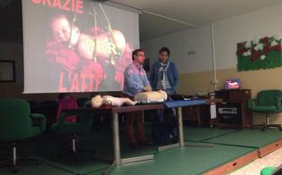 http://www.seguonews.it/uso-del-defibrillatore-e-soccorso-ai-bambini-personale-del-118-istruisce-insegnanti-e-genitori