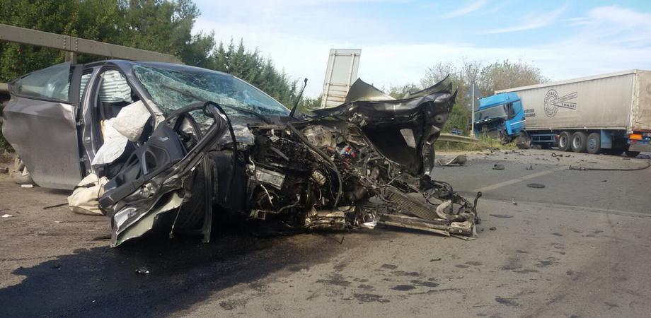 Caltanissetta. Autotreno travolge tre auto sulla 640, cinque feriti: donna è grave