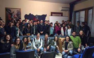 http://www.seguonews.it/impresa-e-criminalita-nel-nisseno-studenti-a-lezione-in-questura-cosi-ripuliamo-leconomia-dalla-mafia