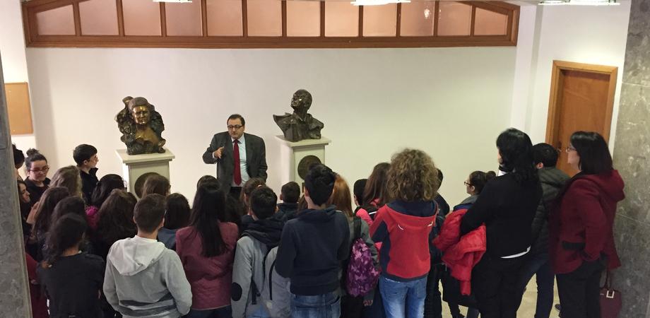 Il PalaGiustizia di Caltanissetta apre le porte alle scuole. Visita degli studenti di Sambuca di Sicilia