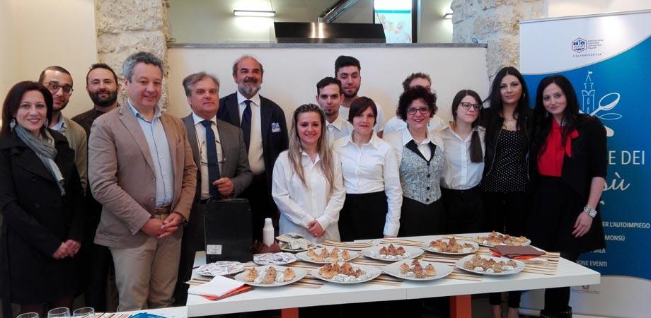 Alla Corte dei Monsù, scommessa giovanile a Caltanissetta. Corsi di cucina e sala avviati dall'Acli per il sociale