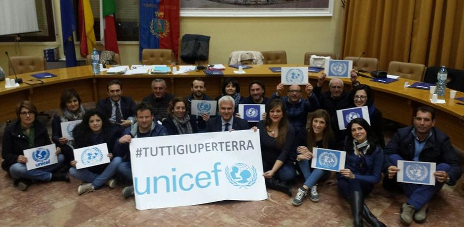 La campagna Unicef #tuttigiùperterra raggiunge anche Delia
