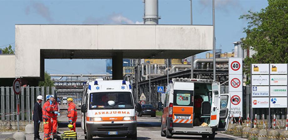 Operaio morto alla Raffineria di Ravenna: quattro indagati per omicidio colposo