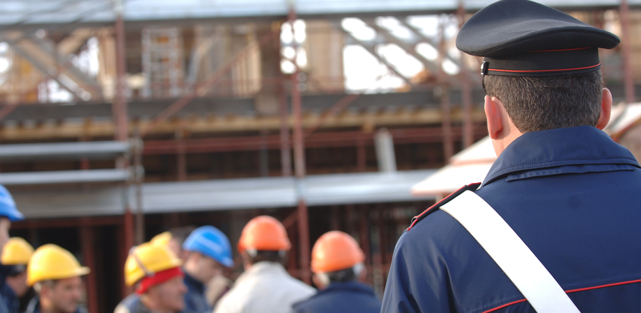 Lavoro nero a Caltanissetta, sospese quattro imprese. Carabinieri scoprono irregolarità: multe per 41mila euro