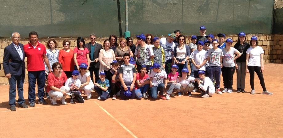 """""""Tennis anch'io"""", a Caltanissetta progetto rivolto ai ragazzi diversamente abili. Medaglie per i partecipanti"""
