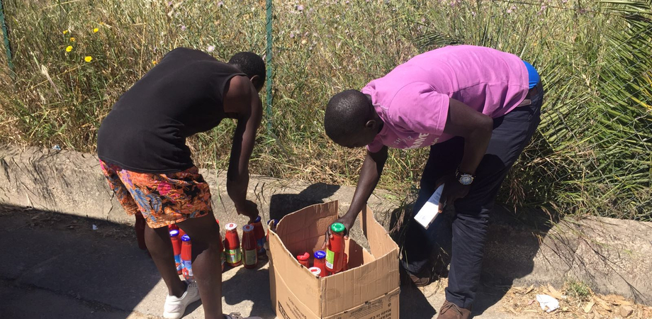 """Alimenti per i profughi accampati a Pian del Lago. I volontari dell'Asfa: """"Un aiuto verso chi soffre"""""""