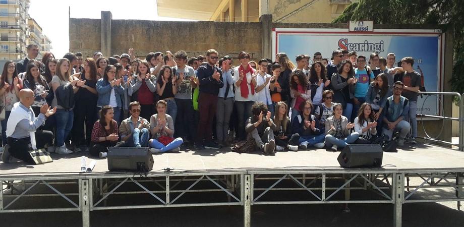 Capaci, il ricordo degli studenti a Caltanissetta. Piantati due alberi in memoria delle vittime di mafia