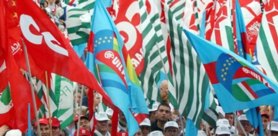 Lavoro, sviluppo e inclusione. Da Caltanissetta mobilitazione dei sindacati al corteo di Palermo