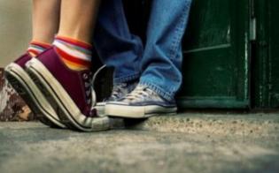 http://www.seguonews.it/il-caso-la-cassazione-rubare-bacio-sulla-guancia-non-e-violenza-sessuale