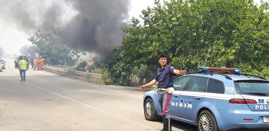 Emergenza incendi in Sicilia, code e disagi sulle strade. Chiusa A20 a Buonfornello, traffico deviato