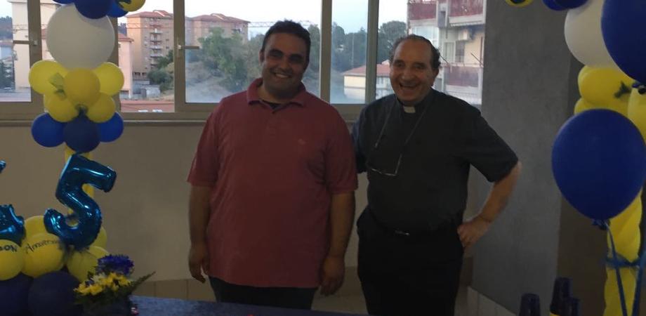 San Paolo, comunità in festa. Don Carletta celebra i 45 anni di sacerdozio
