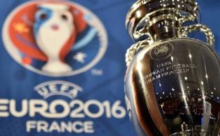 http://www.seguonews.it/euro-2016-si-alza-il-sipario-al-corona-wine-bar-maxischermo-per-vivere-il-calcio