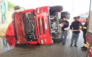 http://www.seguonews.it/caltanissetta-incidente-sulla-ss-640-camion-si-ribalta-salvo-lautotrasportatore