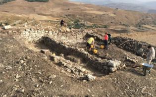 http://www.seguonews.it/per-una-rete-delle-zone-archeologiche-e-di-interesse-culturale-domani-un-convegno-a-caltanissetta