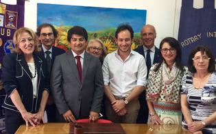http://www.seguonews.it/caltanissetta-una-sala-dascolto-per-i-minorenni-dono-di-due-club-service-al-tribunale