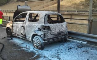 http://www.seguonews.it/caltanissetta-dramma-sulla-a19-auto-prende-fuoco-guidatore-muore-carbonizzato