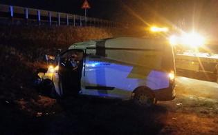 http://www.seguonews.it/furgone-fuori-strada-nella-notte-ad-anghilla-ferito-autista-di-san-cataldo