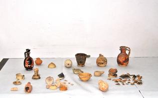 http://www.seguonews.it/la-vecchia-stazione-scrigno-di-reperti-archeologici-nel-nisseno-la-scoperta-della-polizia