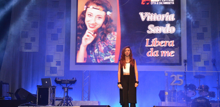 Vittoria Sardo, star di Castrocaro. La giovane nissena approda alla semifinale del festival
