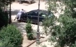http://www.seguonews.it/ce-chi-lava-lauto-a-villa-amedeo-il-video-impazza-sui-social-aiello-citta-fuori-controllo