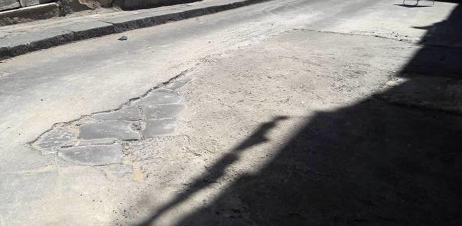 Condotta idrica riparata, riapre il traffico in via Re d'Italia. Sopralluogo dell'assessore Tumminelli con i tecnici