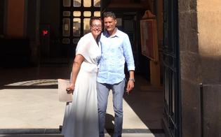 http://www.seguonews.it/sara-e-lo-sposo-clandestino-si-giurano-amore-eterno-a-caltanissetta-nisseni-speciali-per-non-farci-dividere