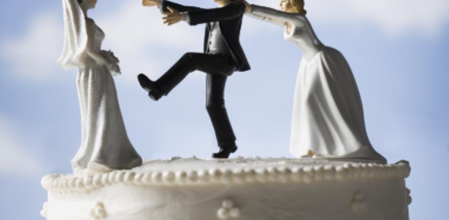 Al matrimonio già sposato da 3 anni, lei non lo sapeva. Bigamo condannato, donna sarà risarcita