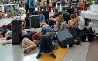 http://www.seguonews.it/ritardo-aereo-di-10-ore-vacanzieri-siciliani-bloccati-a-santorini-associazione-codici-ora-i-risarcimenti