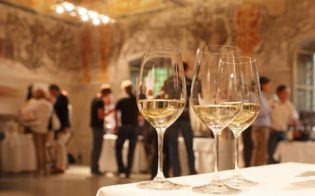 http://www.seguonews.it/brindisi-sotto-le-stelle-a-montedoro-degustazioni-di-vini-allosservatorio-astronomico