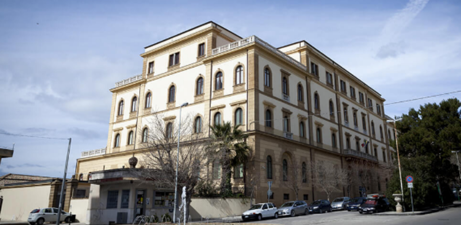 Raid al Palazzo Vescovile di Caltanissetta, tagliati i tubi dell'acqua: aperta inchiesta