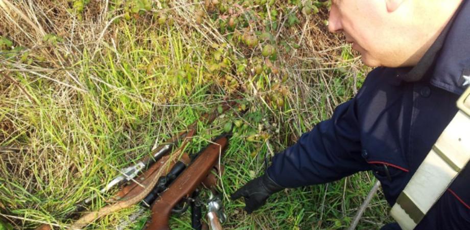 Munizioni in auto e fucile tra i rovi: denunciato agricoltore nel Nisseno dopo sospetta caccia