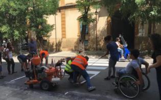 http://www.seguonews.it/strisce-pedonali-da-rifare-a-caltanissetta-giovani-disabili-al-lavoro-con-gli-operai-plauso-dellassessore-campione