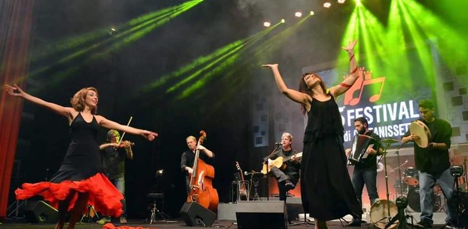 """""""Noi ci siamo village"""". I Murra stasera in concerto a Caltanissetta"""