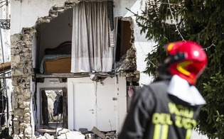 http://www.seguonews.it/il-terremoto-nel-centro-italia-aiuti-da-caltanissetta-il-comune-invia-i-tecnici-nei-luoghi-devastati